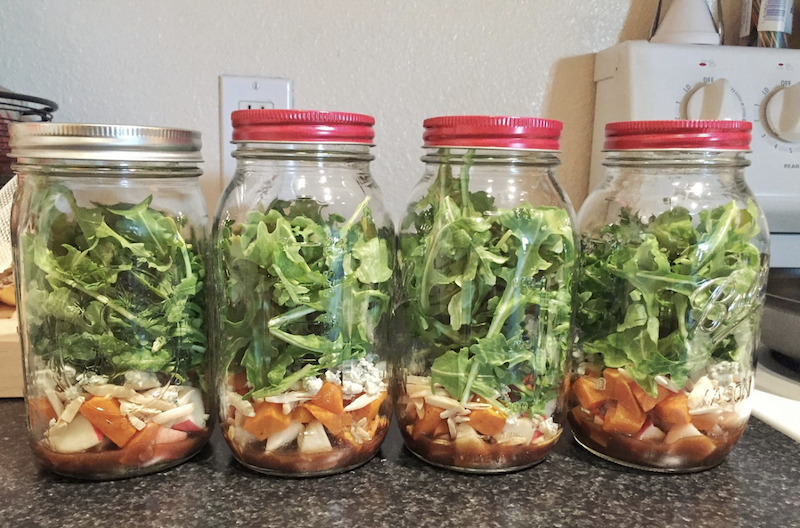 Fall mason jar salad -easy lunch idea